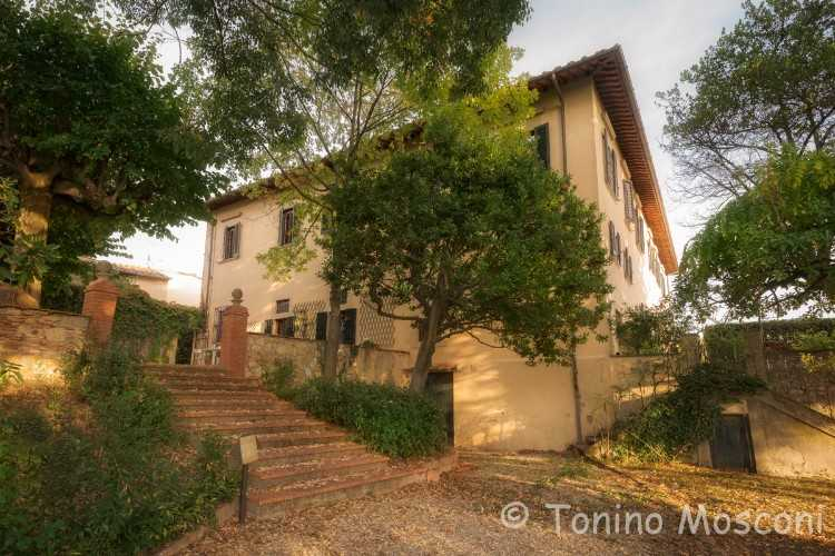 I Tigli (Linden Trees) portion of Villa near Impruneta (10 km from Florence) for sale.